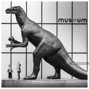 Dinosaur Play :: Black and white statue photography - Artwork © Michel Godts