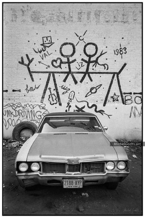 Junk Driving :: Black and white urban graffiti photography - Artwork © Michel Godts