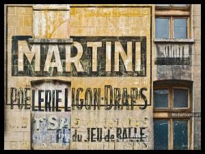 Martini et Poêlerie :: Urban decay typography photography - Artwork © Michel Godts