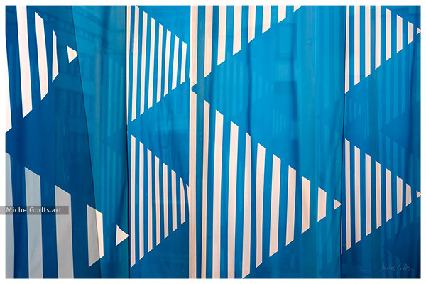 Blue & Stripes :: Abstract realism photography - Artwork © Michel Godts