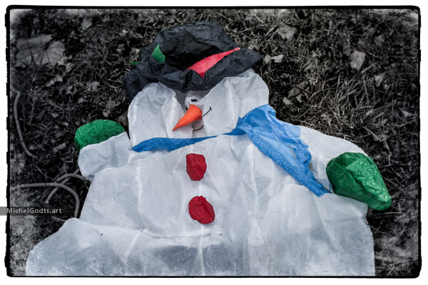 Deflated Spirit :: Urban impression photography - Artwork © Michel Godts