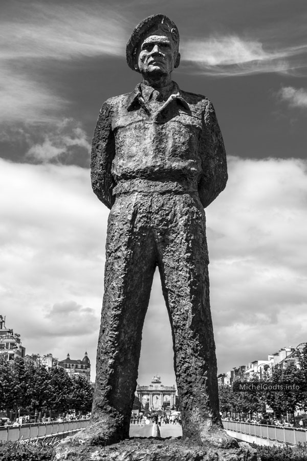 Field Marshal Montgomery :: Black and white photography of public art—wall art print - Artwork © Michel Godts