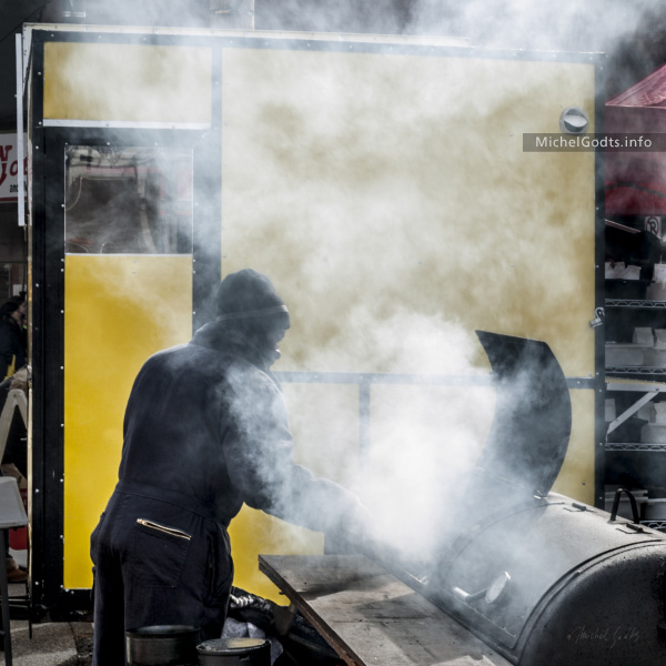 Mondrian Barbecue :: Urban street photography - Artwork © Michel Godts