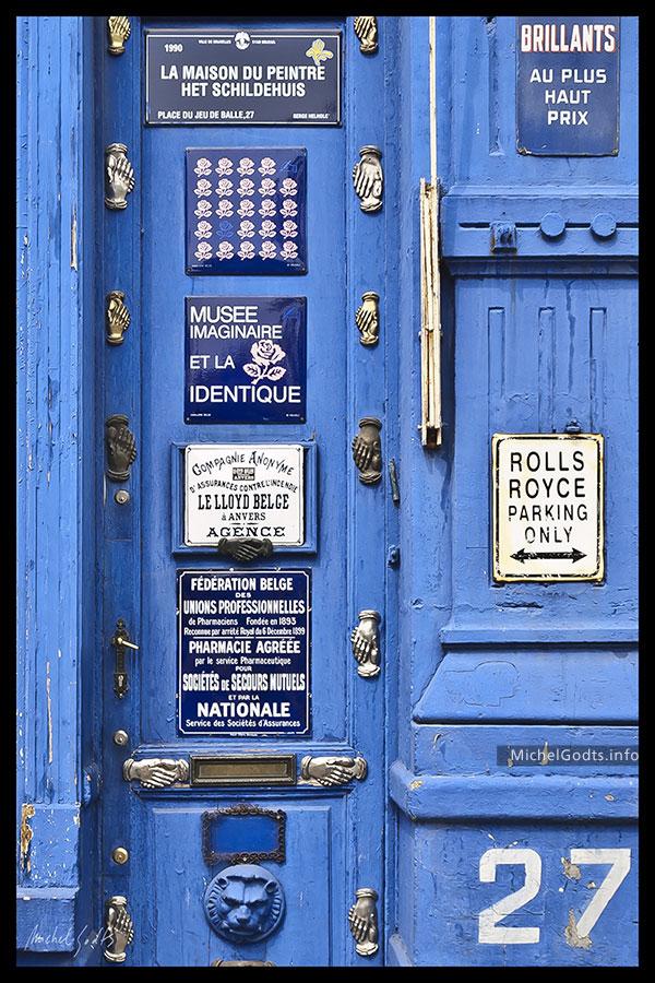 27 Place Du Jeu De Balle :: Urban typography photography - Artwork © Michel Godts