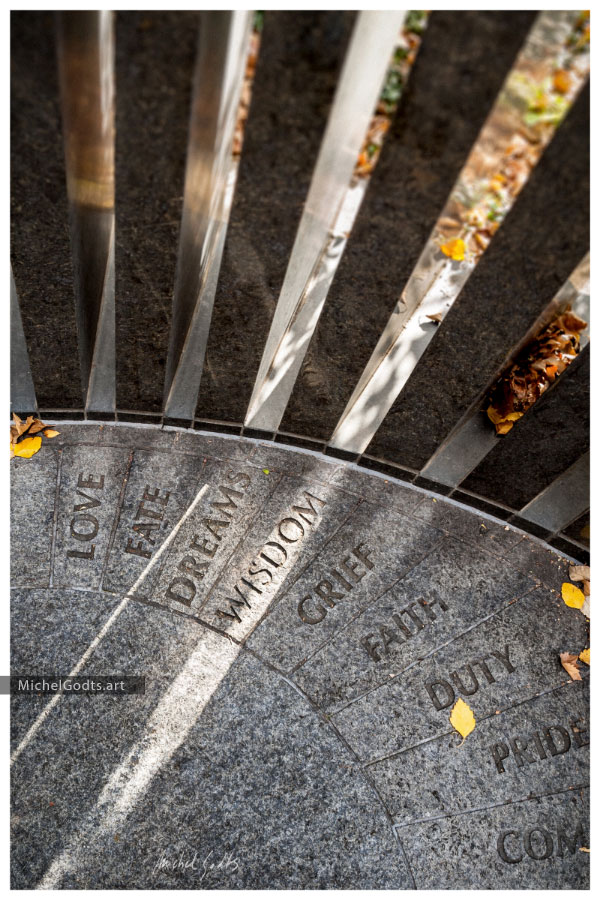 Wisdom Ray :: Photography of Memorial Monument - Artwork © Michel Godts